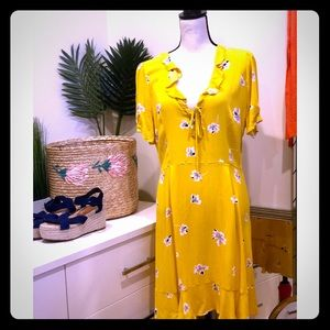 Who What Wear Yellow Floral Dress Laced Neckline